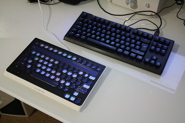 The size of the Optimus Popularis compared to a Max Keyboard Blackbird TKL